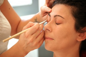 8 Ways to Protect your Eyes from Make-up