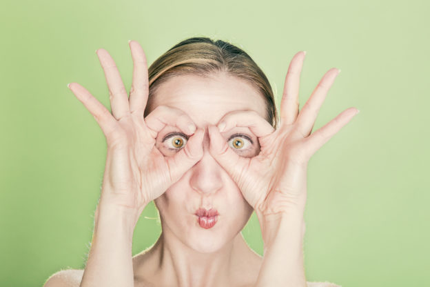 http://www.arizonaretinalspecialists.com/blog/top-10-ways-can-strengthen-eyes/